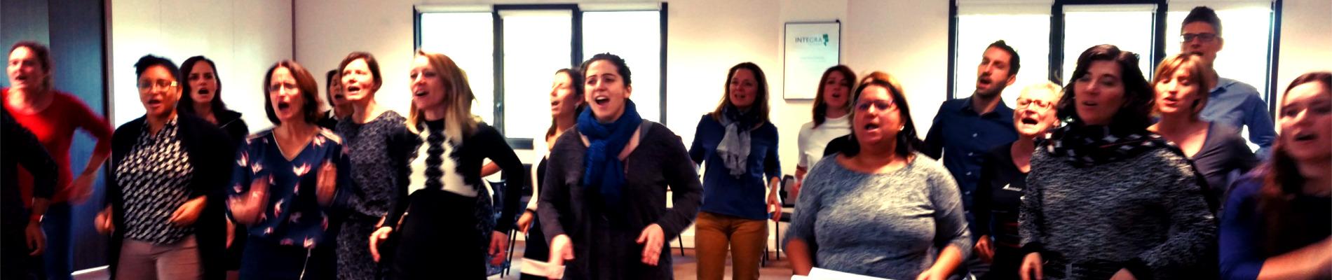 Répétition de chorale en entreprise